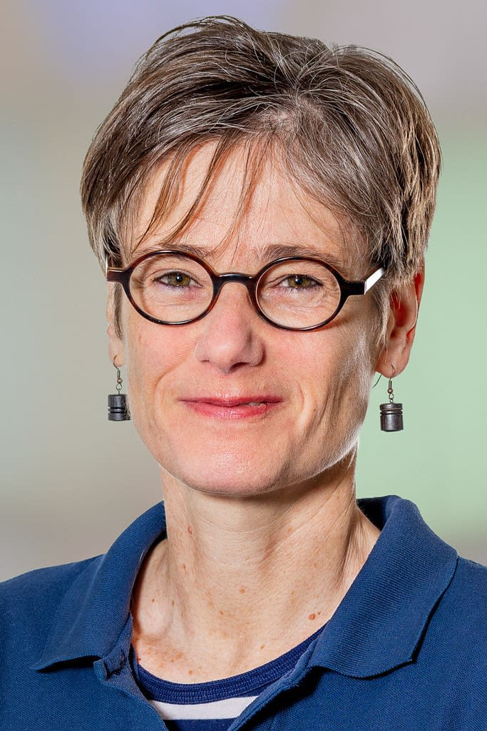 Dr. med. Swantje Vaihinger, Fachärztin für Kindermedizin (Pädiatrie) in der Praxis am Bahnhof Rüti ZH