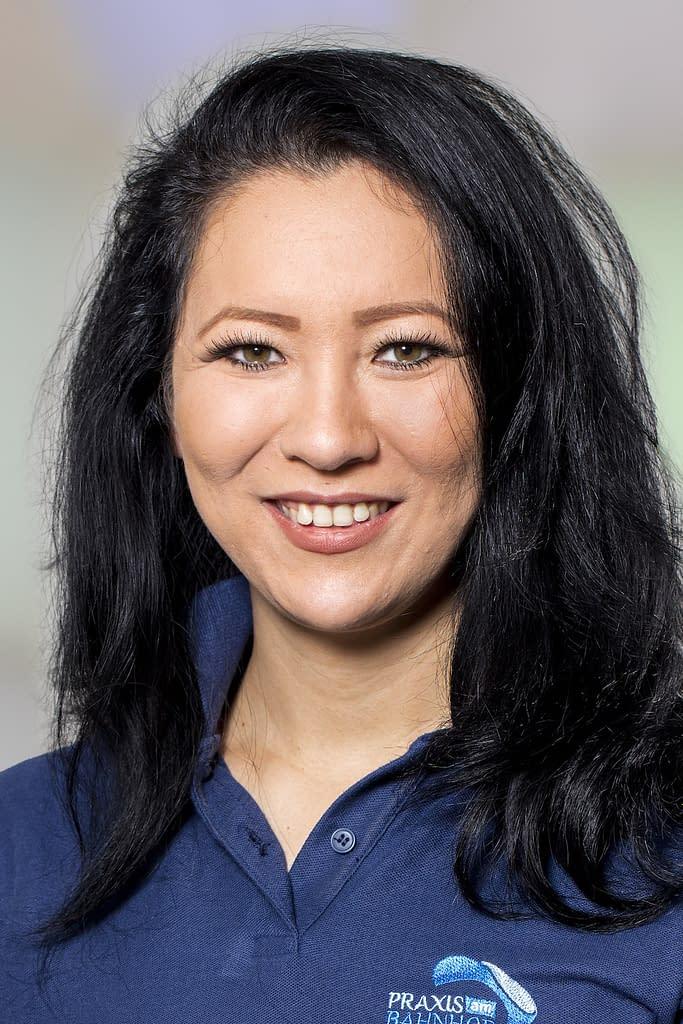 Viktoria Kaschubinsky, Kosmetikerin in der Praxis am Bahnhof Rüti