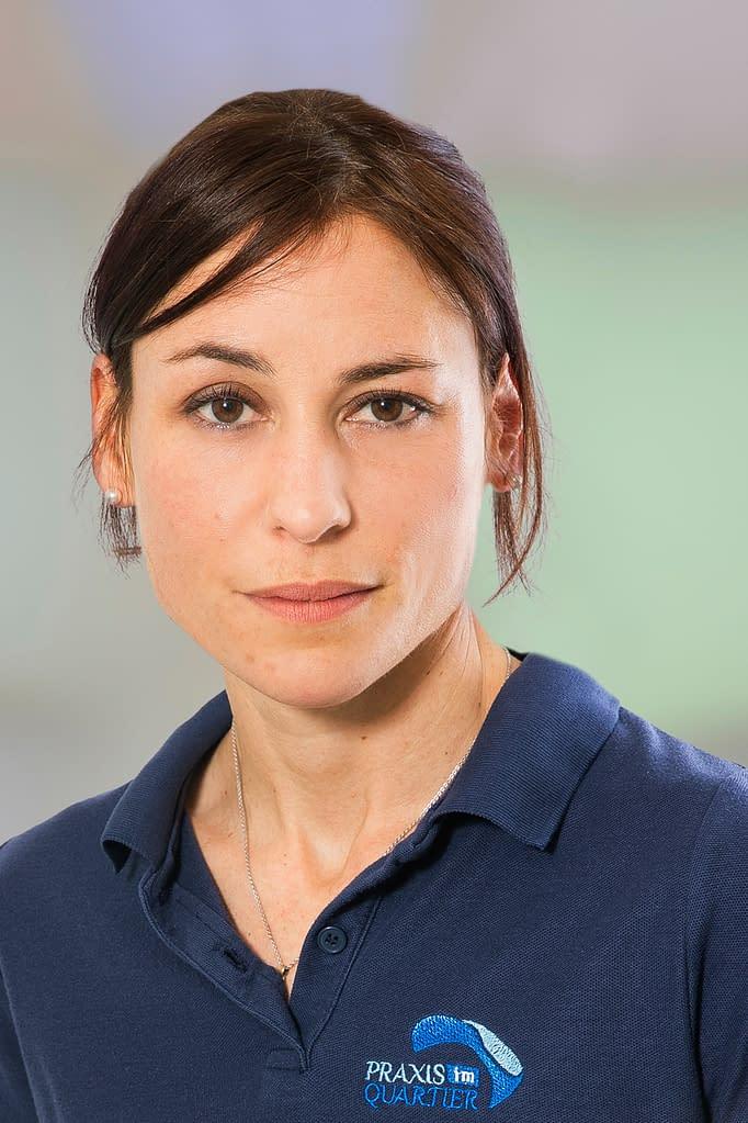 Jaqueline Benzoni Psychotherapeutin in der Praxis im Quartier